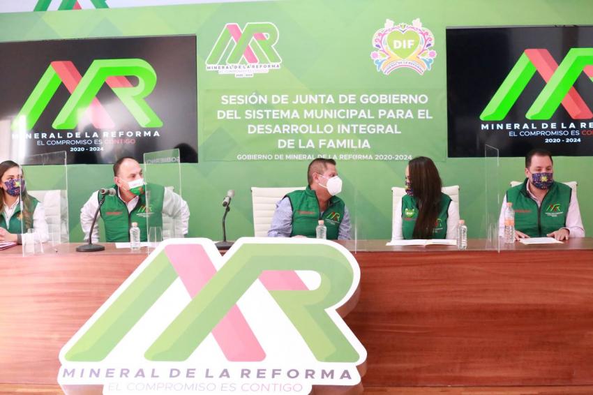Acuerdos en pro de las familias de Mineral de la Reforma