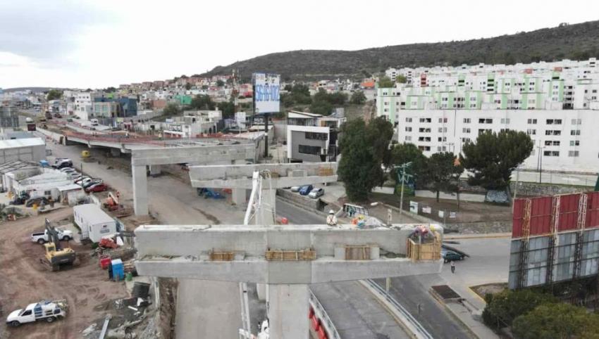Adecuaciones viales, reducción de carriles, derivado de la construcción del Distribuidor Vial