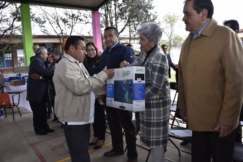 GOBIERNO DE HIDALGO BENEFICIA A COMUNIDAD EDUCATIVA DE MUNICIPIOS
