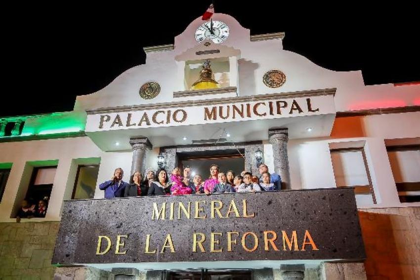 ENCABEZA RAÚL CAMACHO BAÑOS, TRADICIONAL GRITO DE INDEPENDENCIA EN PACHUQUILLA