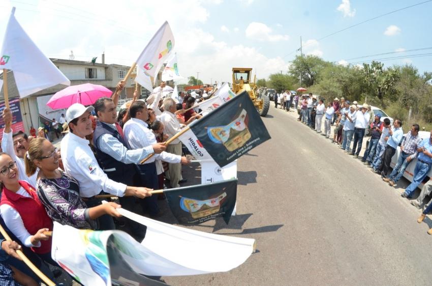 Comienzan pavimentación hidráulica de acceso a Tula tramo el CERESO
