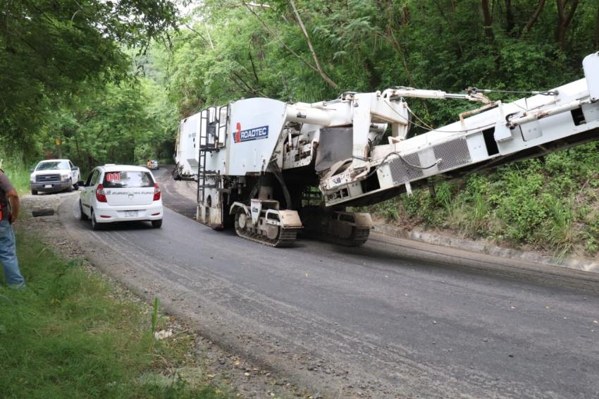 Gobierno de Hidalgo lleva programa de rehabilitación de carreteras a la región Huasteca
