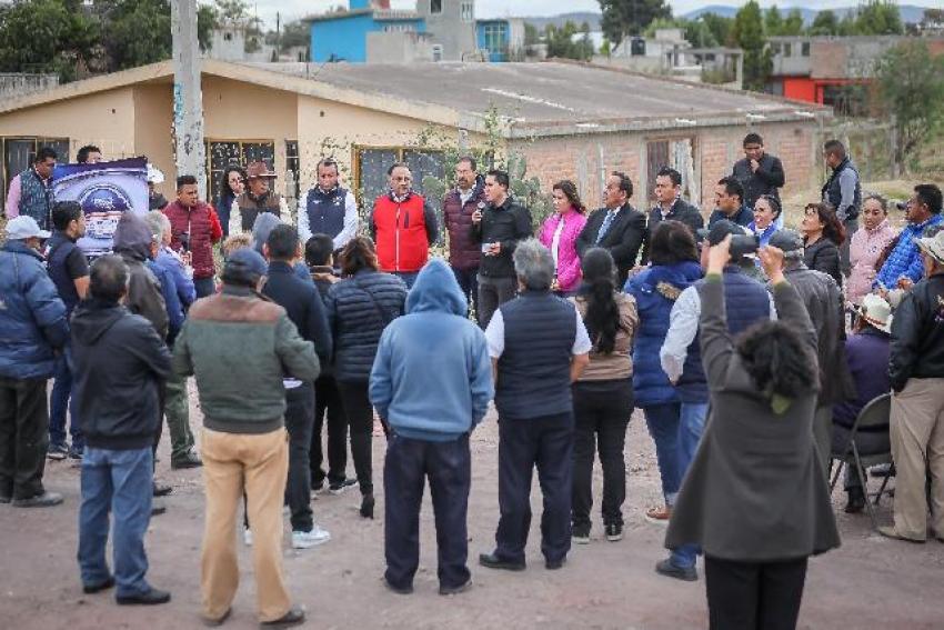 DA ALCALDE RAÚL CAMACHO BAÑOS, BANDERAZO DE OBRA PARA LA CONSTRUCCIÓN DE PAVIMENTACIÓN EN EL VENADO